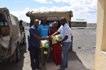 Food-donation-in-Loiyangalani